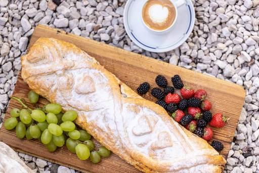 Küche – Südtiroler Strudel mit Kaffee