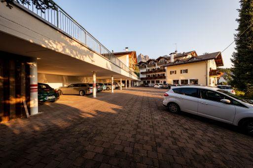 Hotel Solaia Parkplatz in Kastelruth